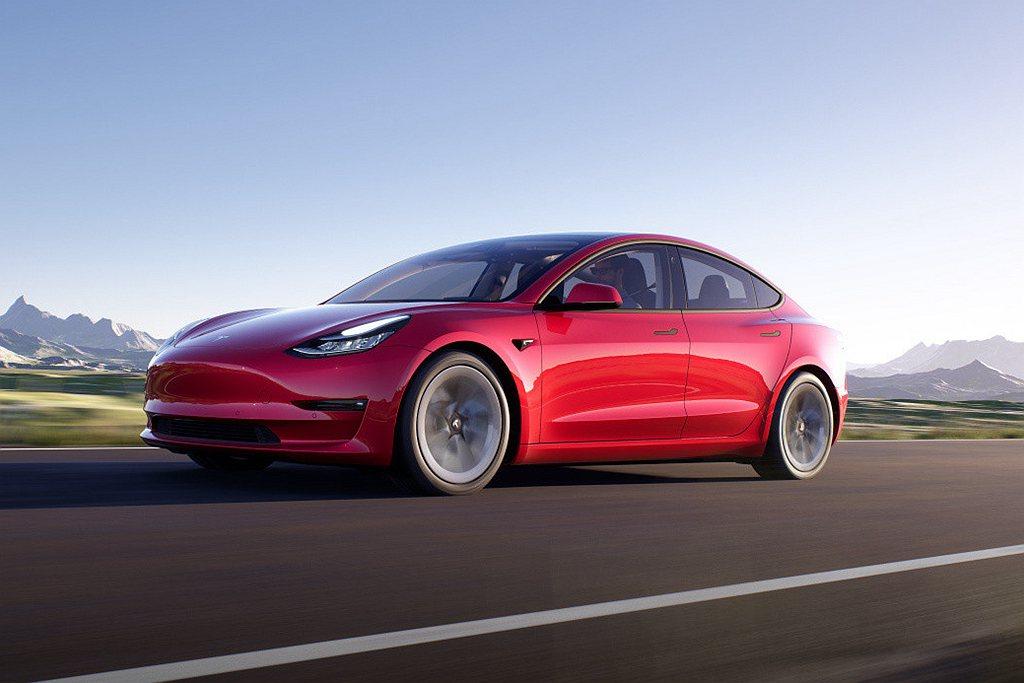 特斯拉電動車今年第一季Model 3再度交出亮眼成績單,預計突破1,200輛掛牌...