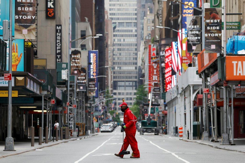 不論對紐約市的安適發揮多麼重要的作用,垃圾精靈穿上制服後,就像消失了似的。示意圖。 圖/路透社