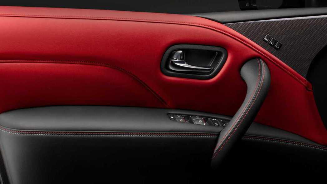 NISMO經典的紅色內裝。 圖/Nissan提供
