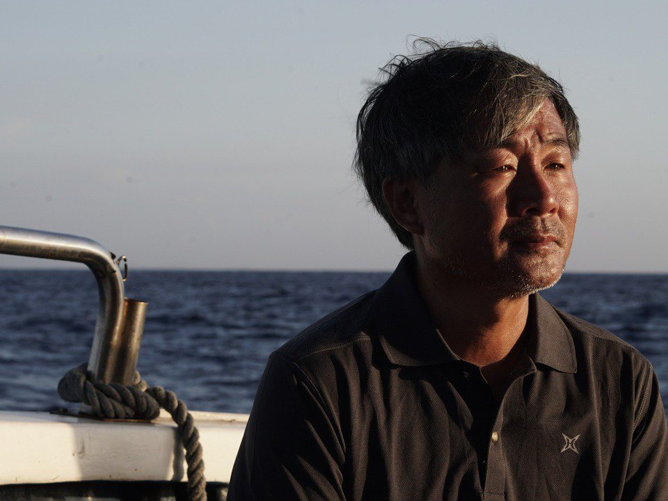 《男人與他的海》也揭露兩位為人父親的男人,在追逐夢想與照顧家庭之間的矛盾、拉扯。...