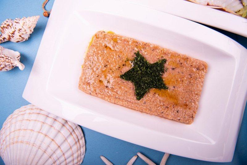 知味西餐廳的冷盤也呈現十足地中海風,圖為摩洛哥小米沙拉,擺盤呼應摩洛哥國旗圖案。...