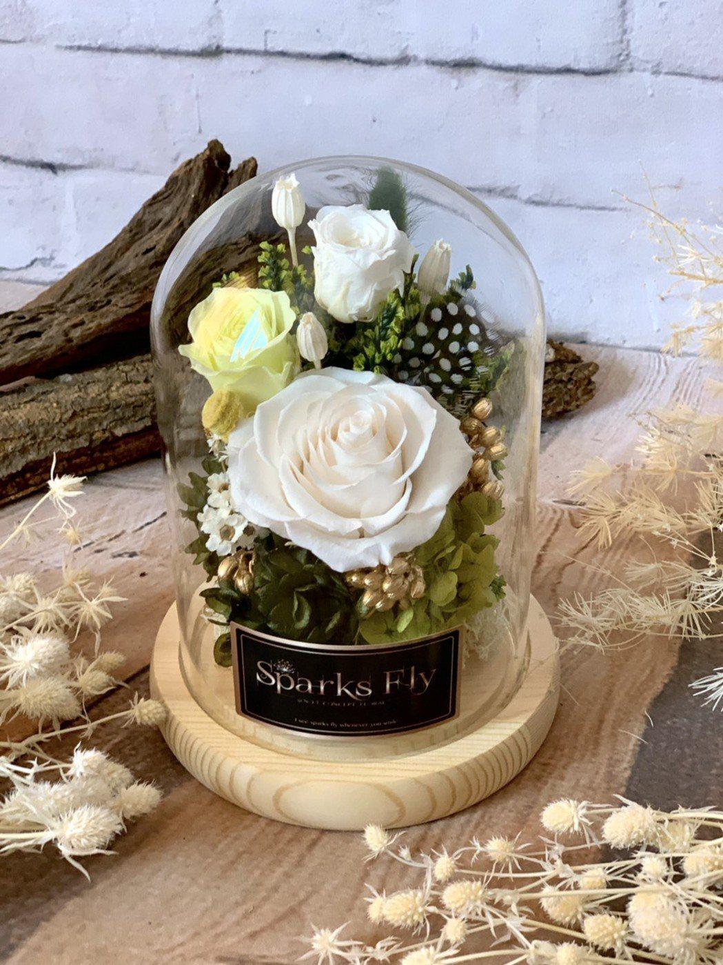 玫瑰馨意住房專案玫瑰永生花禮盒。業者/提供