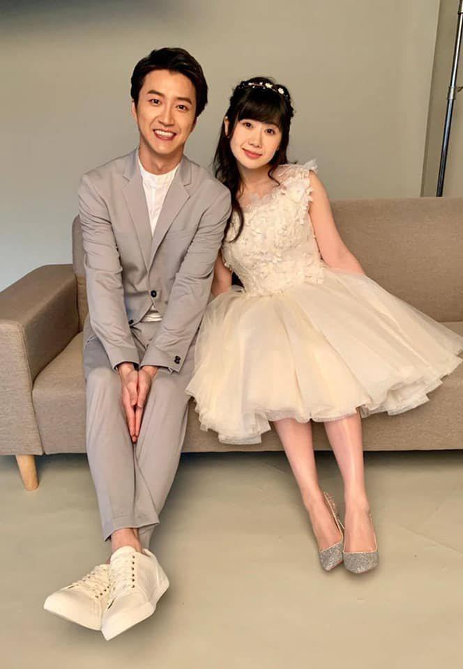 福原愛(右)爆出不倫52天後,老公江宏傑向法院訴請離婚。圖/摘自臉書