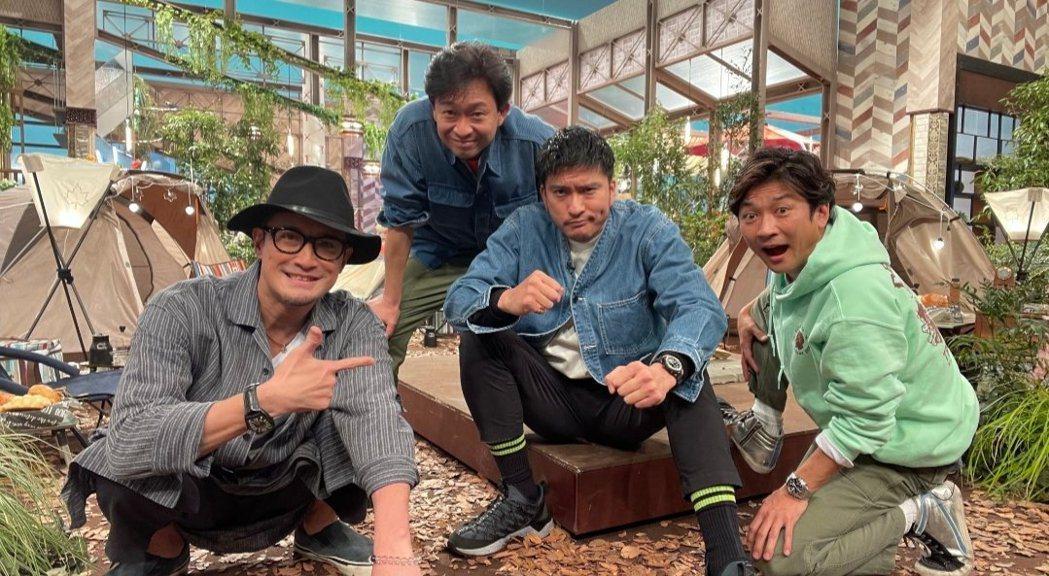 TOKIO秀出最後大合照,左起為松岡昌宏、城島茂、長瀨智也和國分太一。圖/摘自官