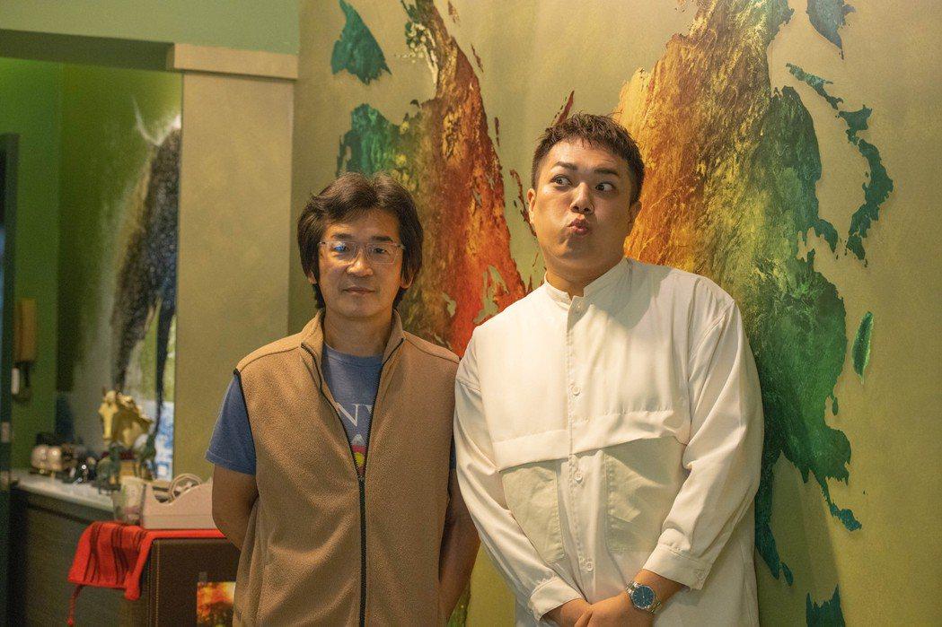 魏德聖(左)開直播節目「臺灣三部曲online」,主持人找來知名YouTuber