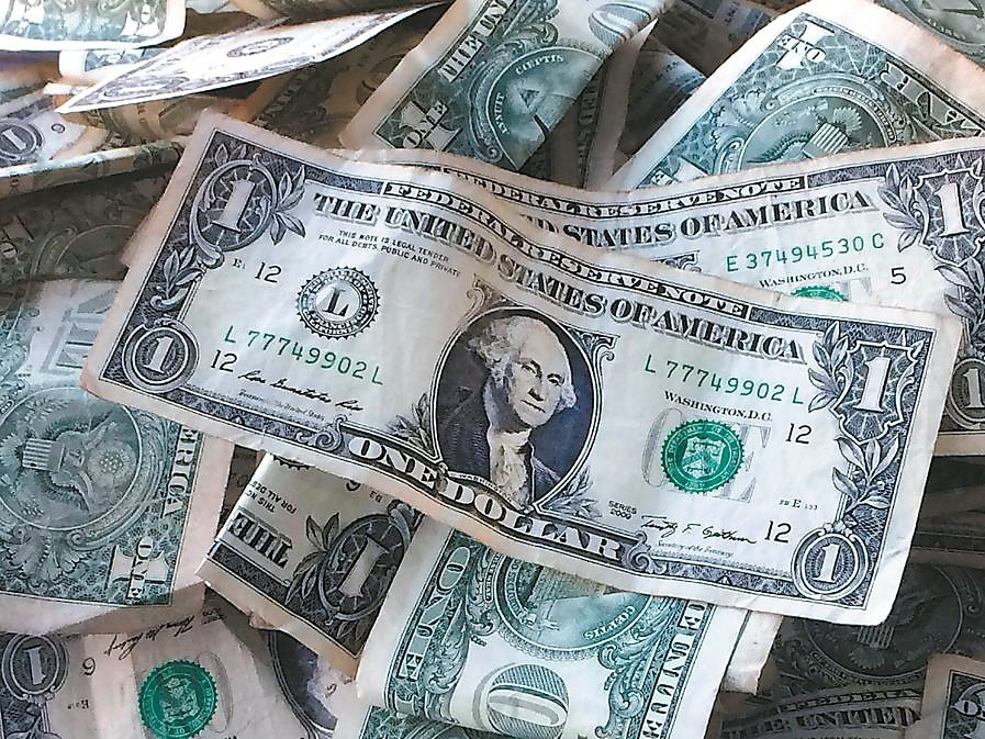 新台幣兌美元匯率今年以來升值1.55%,民眾買美元保單意願增加。(路透)