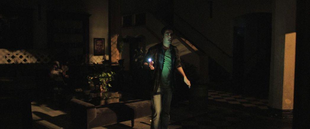「靈異詭店」將於4月23日全台正式上映。圖/威視提供