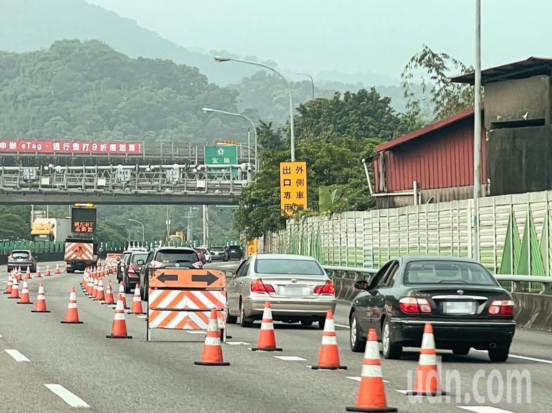 國道昨天上午還算平順,但下午開始出現北返車潮。記者王敏旭/攝影