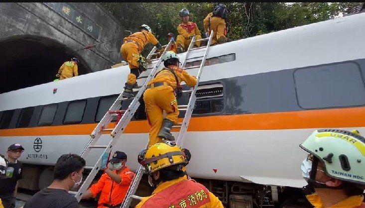 太魯閣現場搶救。圖/基隆市消防局提供