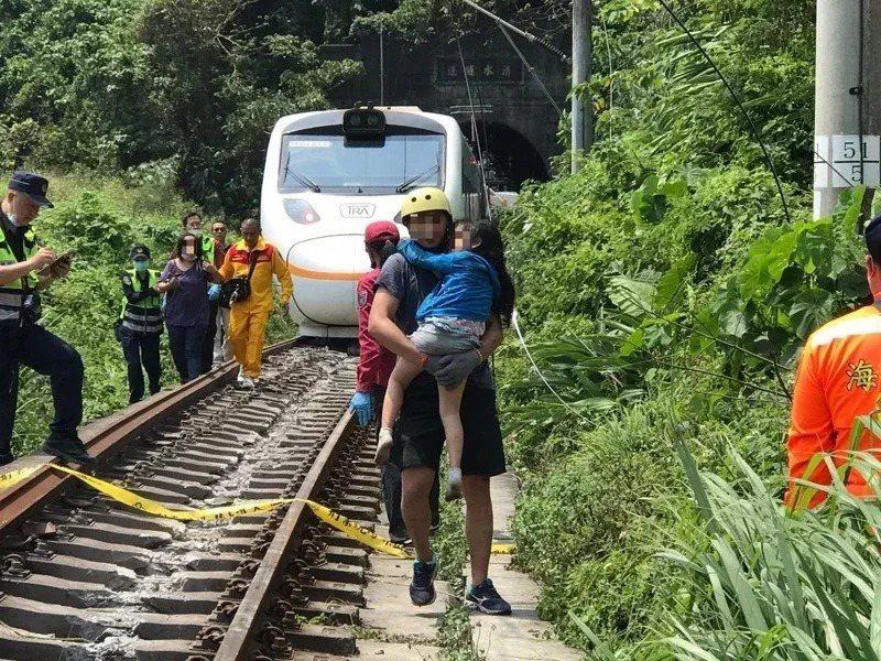 台鐵408次太魯閣上午發生出軌事故。記者王燕華/攝影