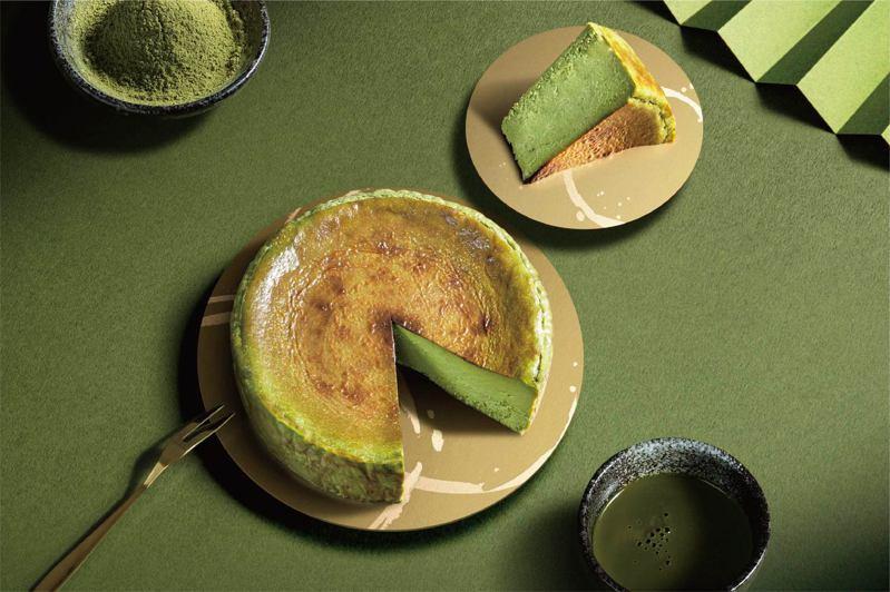路易莎金天閣濃い抹茶巴斯克乳酪新上市。圖/路易莎提供
