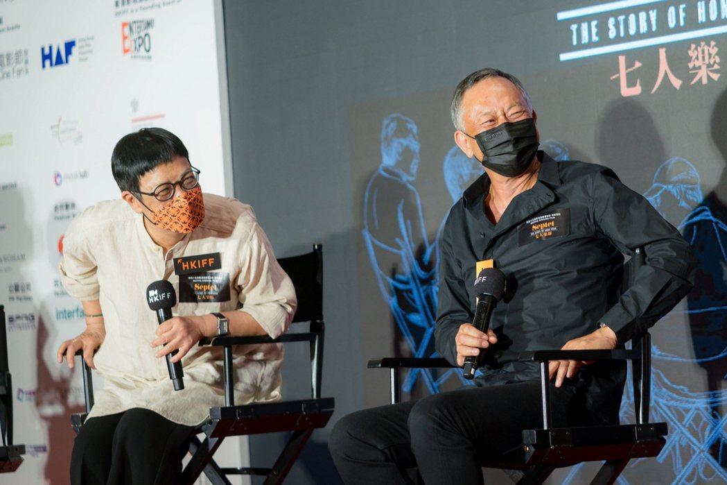 許鞍華(左)、杜琪峰(右﹚在香港電影節開幕活動上暢聊電影。圖/華映提供