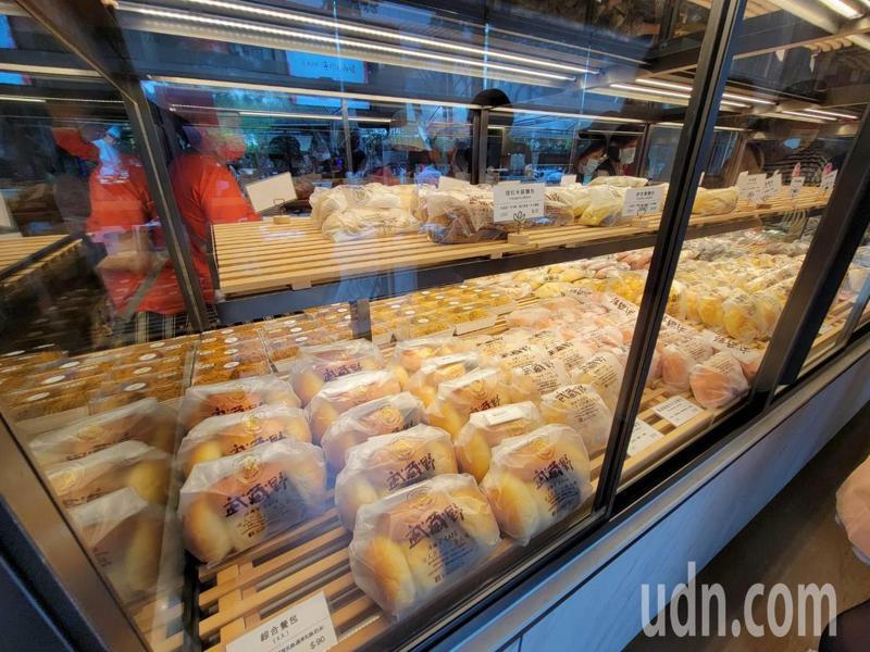 「武藏野の焦糖乳酪」蛋糕麵包店林口旗艦店今天開幕。記者江婉儀/攝影