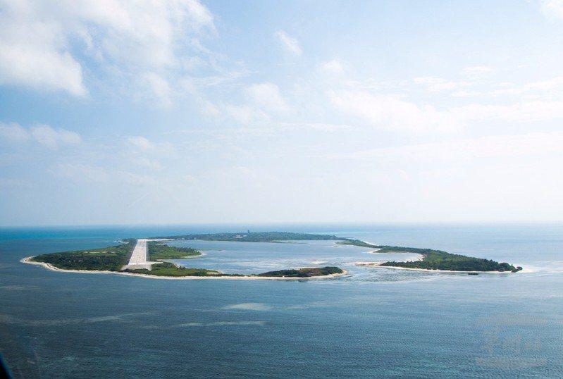 4月1日海巡署至立法院的報告中,海聲稱掌握近期中共無人機在東沙島上空繞島飛行。軍聞社