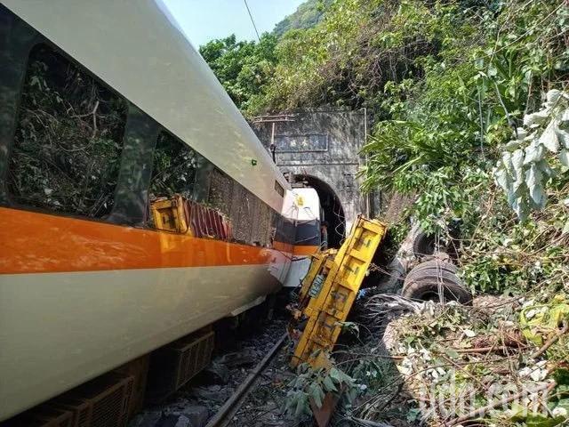 台鐵太魯閣號事故造成多人死傷。記者王思慧/攝影