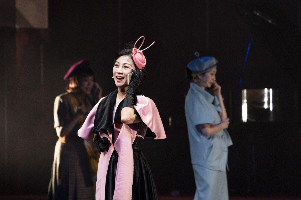 方文琳首度參與舞台劇「明星養老院巡迴演出。圖/金星文創提供