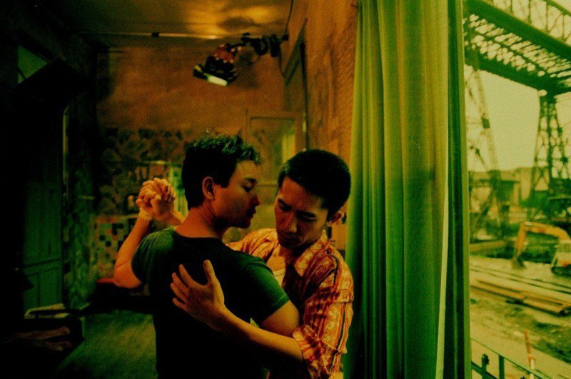 張國榮(左)、梁朝偉(右)主演經典愛情片「春光乍洩」4K修復版,2日晚間在香港電...