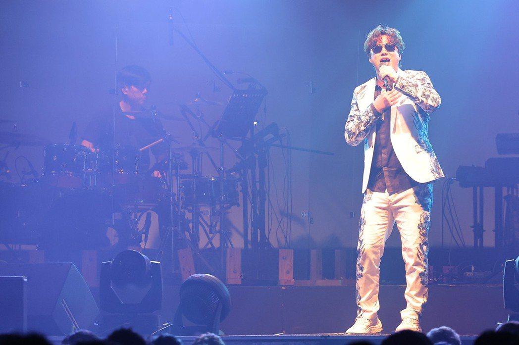 蕭煌奇今晚開唱,演唱會尾聲坦言是「強顏歡笑」。記者李政龍/攝影