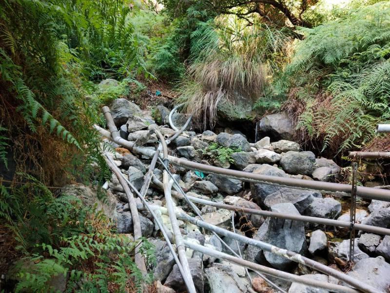 溫泉法實施後遭斷管,頂北投居民表示願意付費接管。 圖/里長李秋霞提供