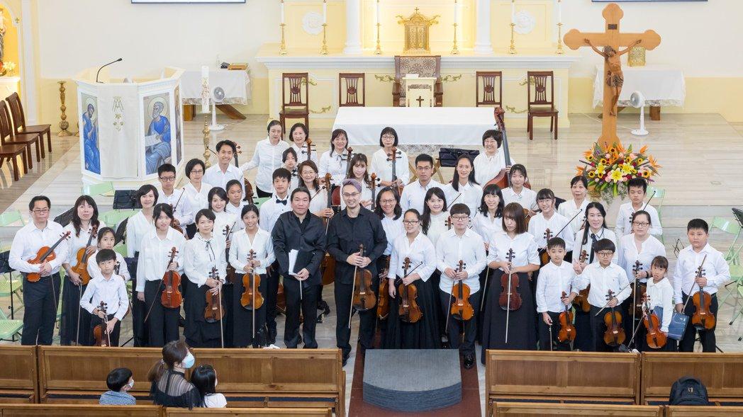 今(4)日知名中提琴家郭威廷與布萊梅弦樂團首次合作,演出曲目為G.P.Telem...