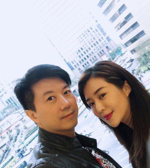 吳皓昇(左)、文汶夫妻願捐一個月薪資為太魯閣號事故盡自身心力。圖/摘自臉書