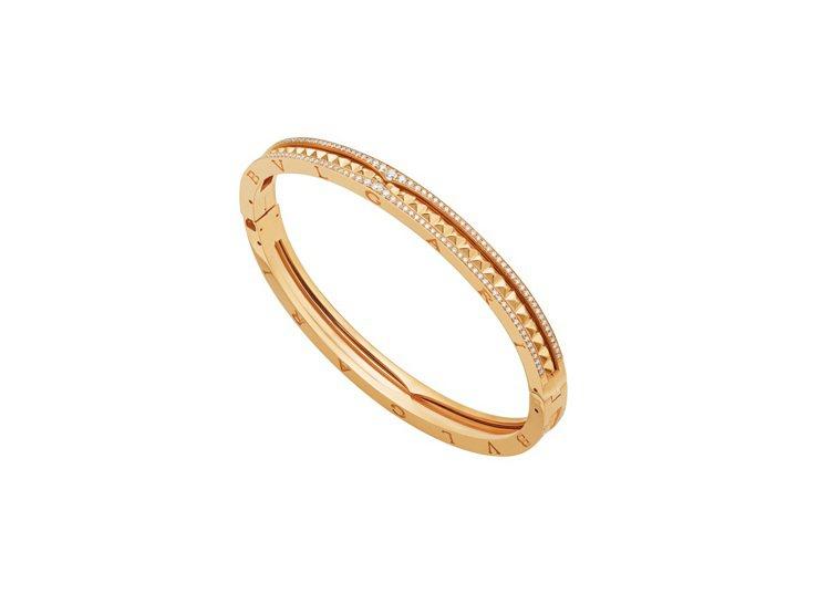 BVLGARI B.zero1 Rock系列黃K金鑲鑽手環,約45萬9,300元...
