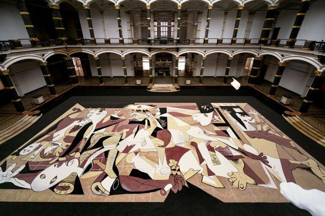 柏林的葛羅皮亞斯博物館舉辦「李明維:禮」,回顧他一路以來的創作軌跡。圖/葛羅皮亞...