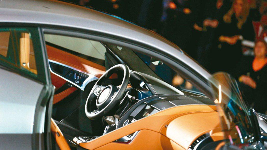 過去十年來,汽車製造商用於研發的資金高於獲得的利潤。(本報系資料庫)