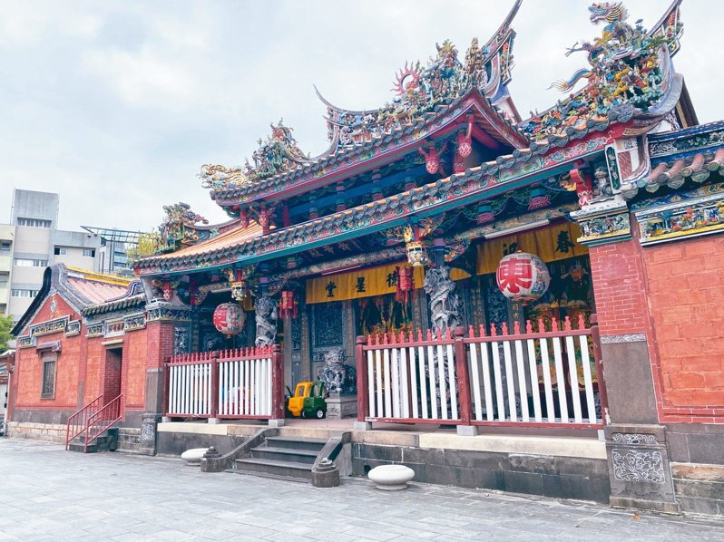 陳德星堂為台北市定古蹟,內附幼兒園。記者潘才鉉/攝影