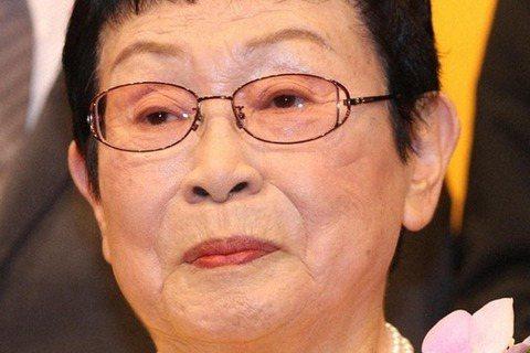 寫過「阿信」、「冷暖人間」等經典日劇的95歲編劇橋田壽賀子4日病逝,她在今年2月下旬因為急性淋巴瘤,到東京都內醫院住院治療,3月時則回到老家靜岡縣熱海市的醫院繼續接受治療,3日回到家中,4日上午病逝...