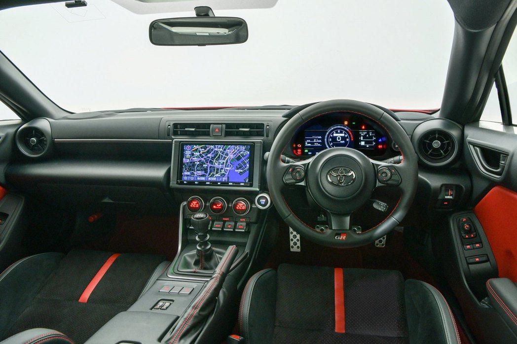 GR 86車艙也更加現代化,7吋虛擬儀表加上8吋中控螢幕。 圖/Toyota提供
