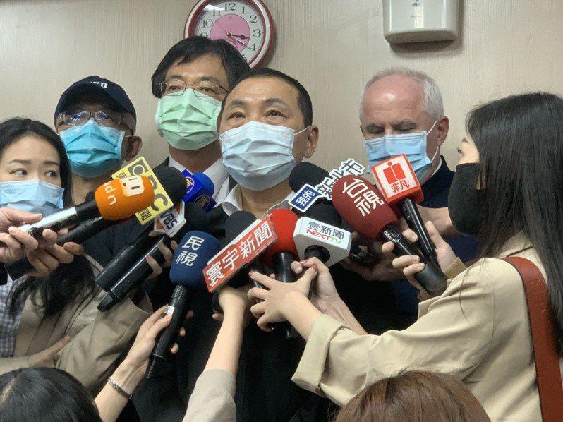 新北市長侯友宜接受媒體聯訪。記者張睿廷/攝影