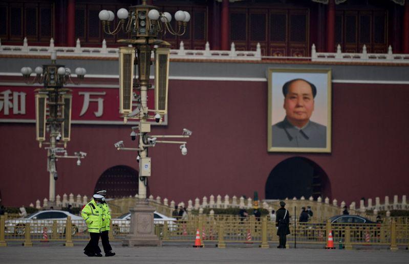 天安門城樓上的毛澤東像。 圖/法新社