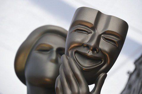 美國演員工會獎(SAG)今天揭曉得獎名單,是本月25日登場的奧斯卡金像獎的重要風向球,以下為主要得獎名單。●電影類:-最佳卡司獎:「芝加哥七人案:驚世審判」(The Trial of the Chi...