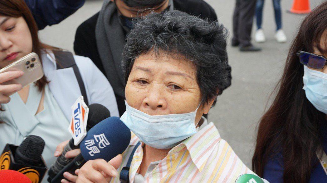 太魯閣號罹難者家屬蘇昱銘的姑姑,對李義祥說謊,怒說「真的惹我們生氣了」。記者王燕...