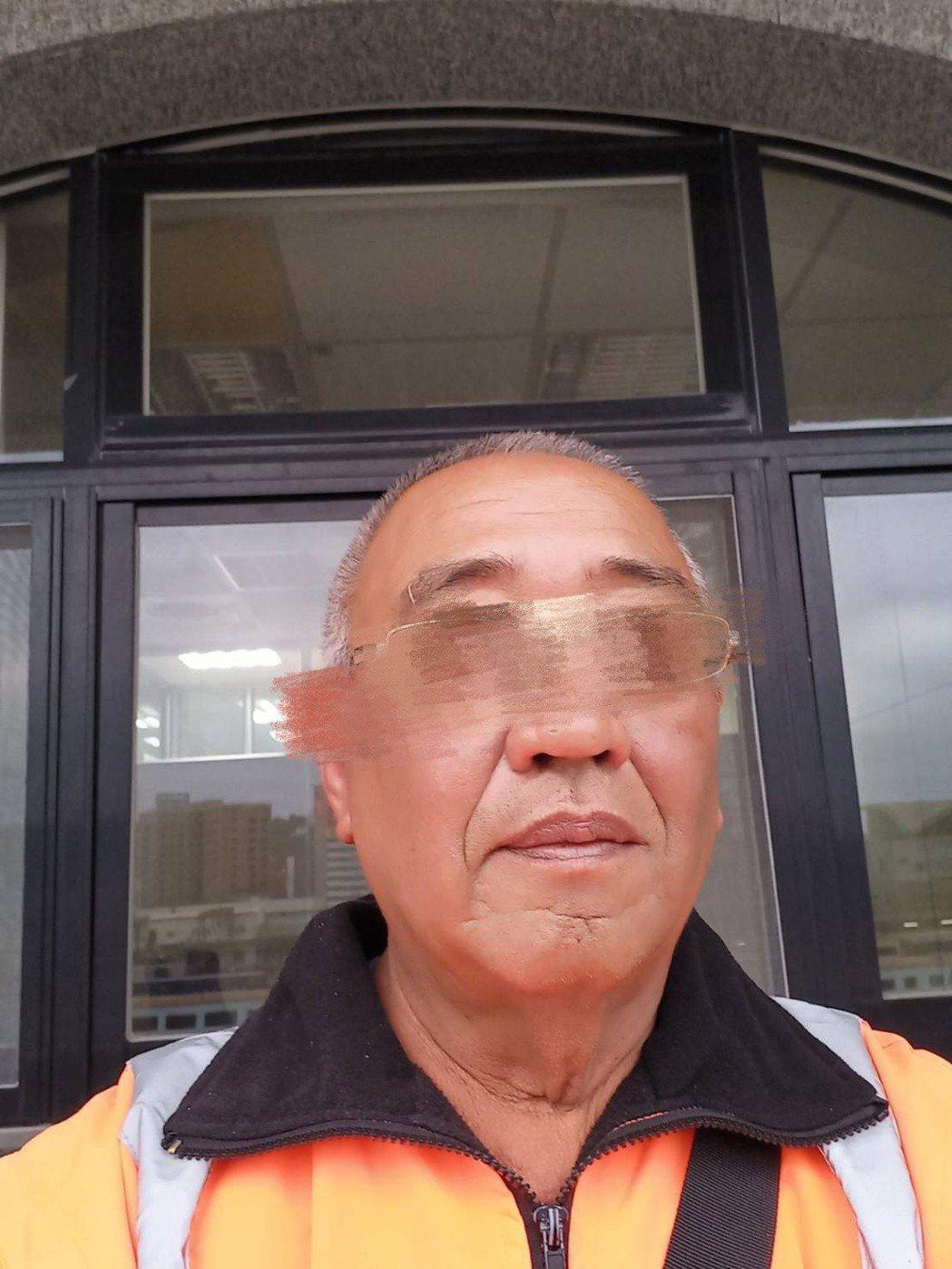 台鐵太魯閣號出軌意外,交通部政務次長王國材今天在記者會表示,照片中有李義祥等4人...