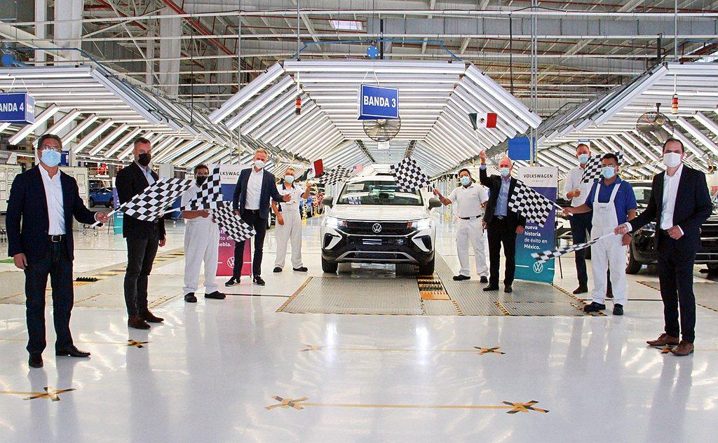 福斯汽車位於墨西哥的新車生產基地,日前宣布美規Taos量產啟動。除了已經預先生產...
