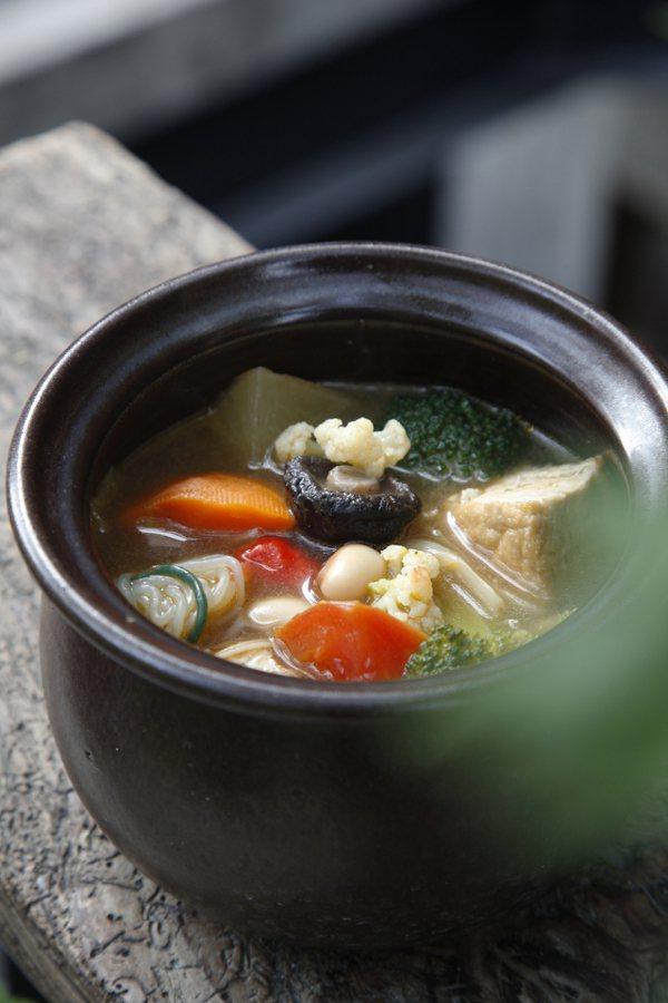 紅燒蔬菜湯 圖/維摩舍文教事業有限公司