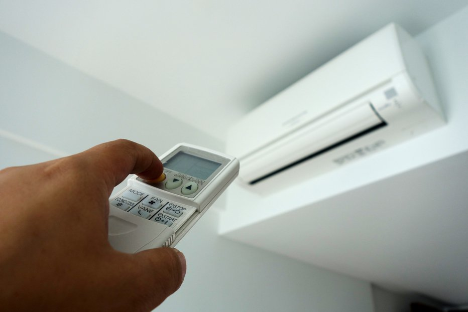 居住在北部的網友想添購新空調,卻猶豫該買專冷型還是冷暖兩用的機種。示意圖/Ing...