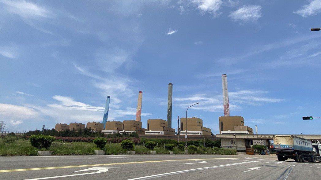 中火重啟3號機燃煤發電。圖/本報資料照片