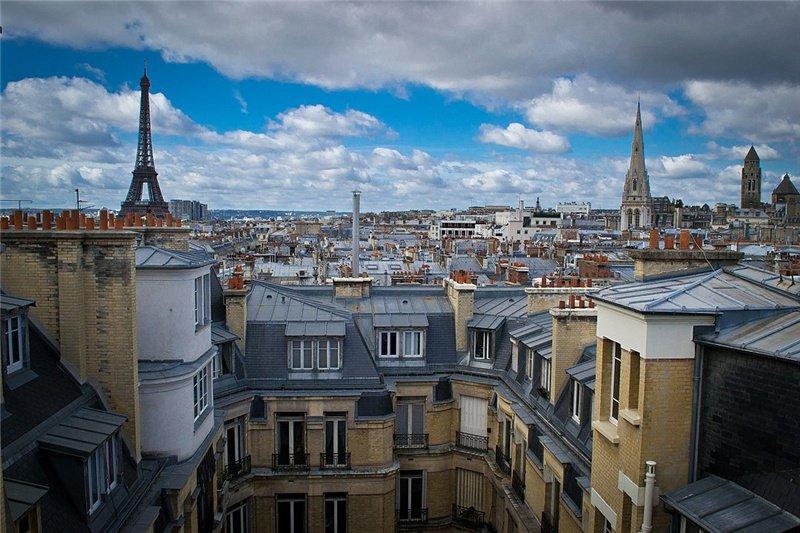 巴黎獨有特色-灰屋頂  / 來源:  wikipedia