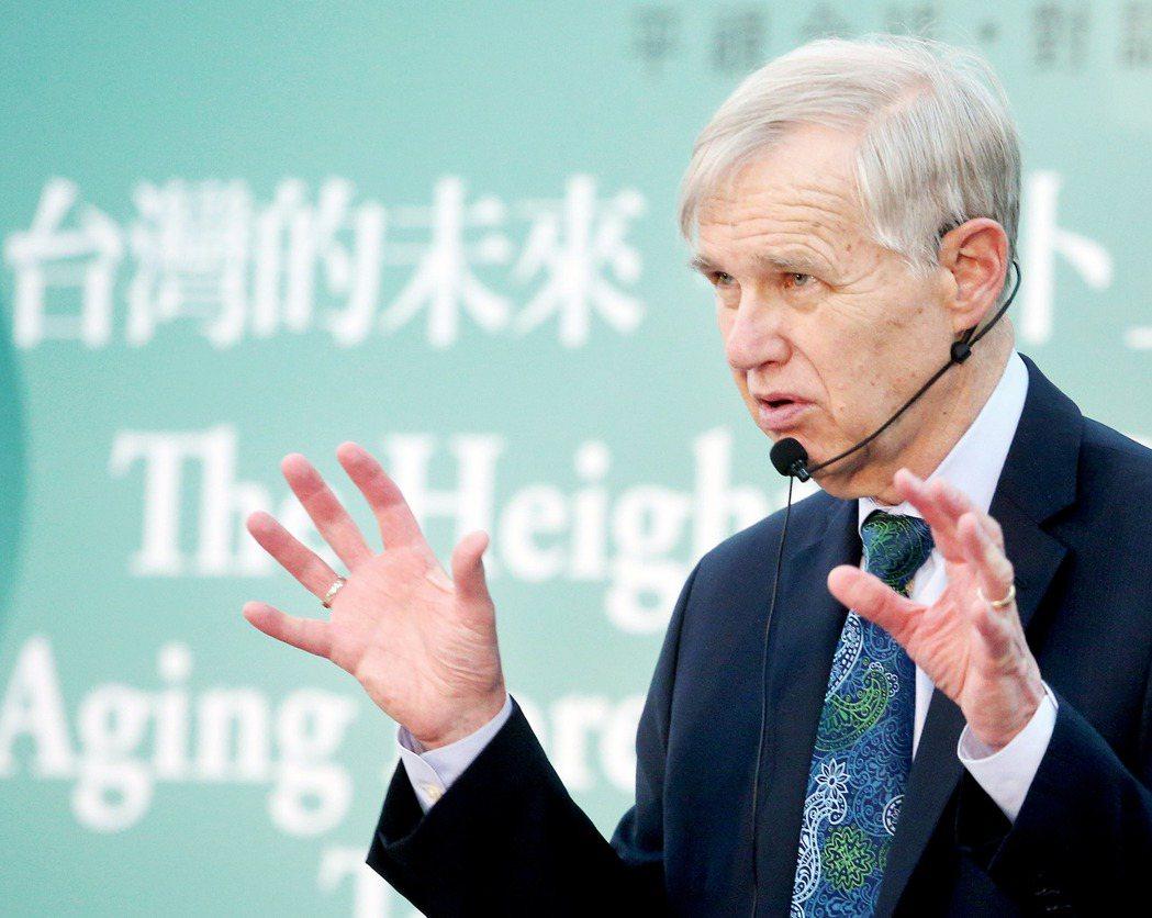 卜睿哲警告美國不要對台灣「開綠燈」,導致台灣採取不符合美國目標甚至引發戰爭的政策...