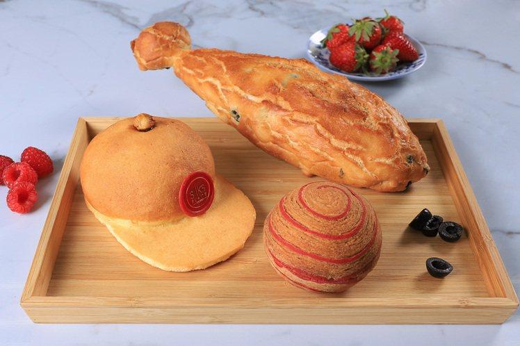 台南晶英酒店吹起仿真麵包風,打造超逼真「紅不讓棒球麵包組」,每組3顆180元。圖...