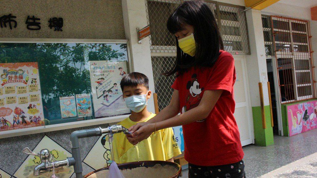洗手示意圖。記者林敬家/攝影