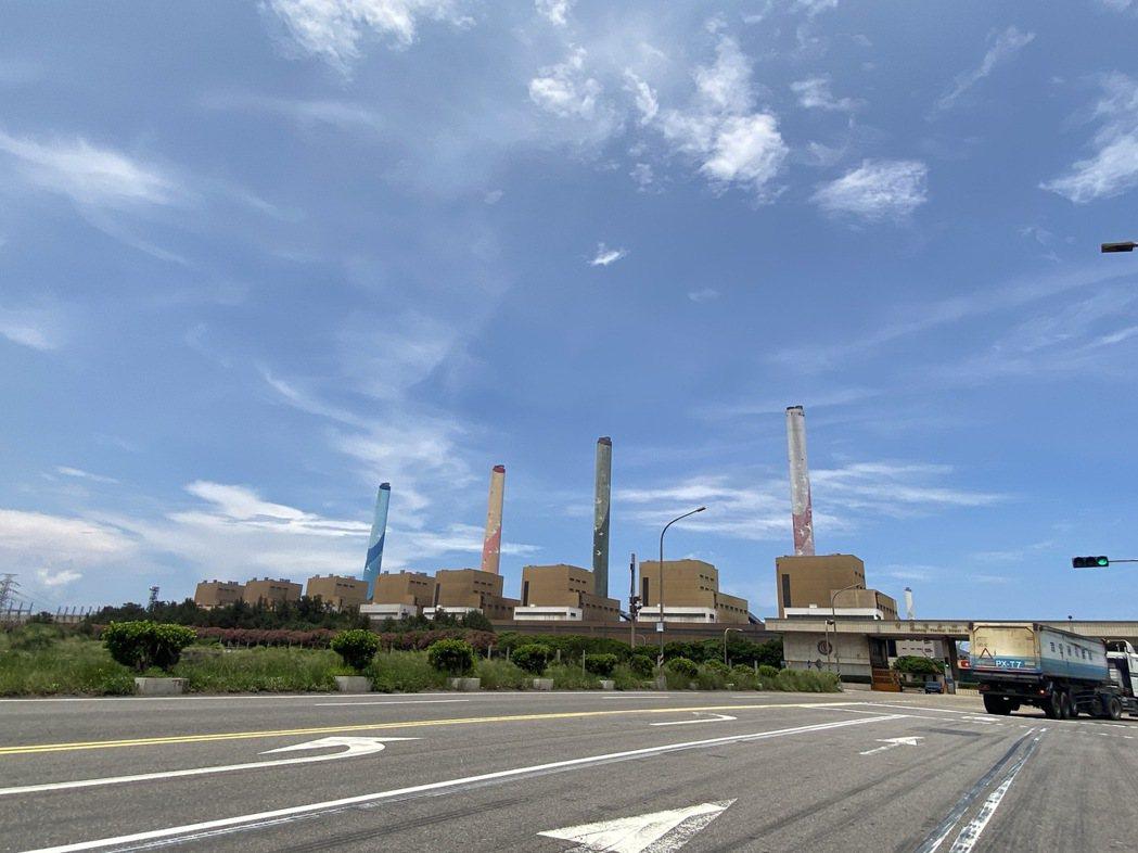 中火重啟3號機燃煤發電,引起南投縣政府反彈。圖/本報資料照片