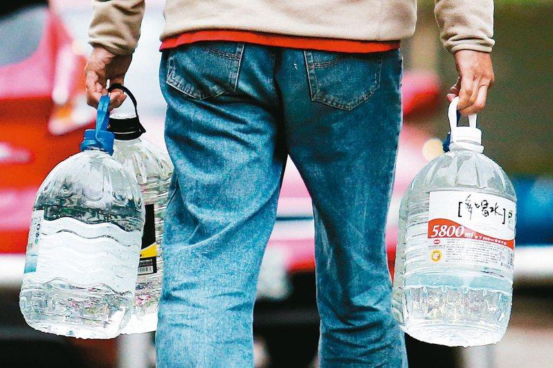 如何省水、節能,順便省錢,成了國人的新課題。圖/聯合報系資料照片