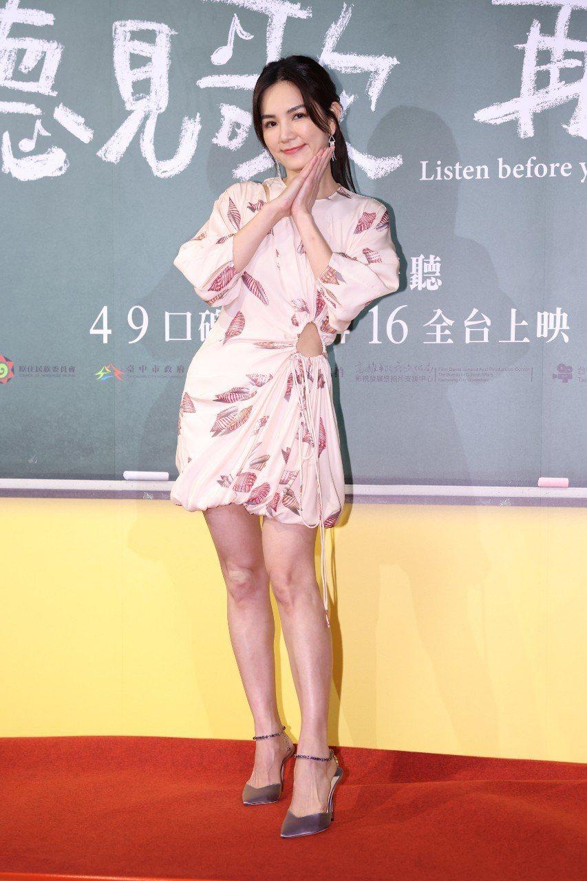 Ella在「聽見歌再唱」演出一名鋼琴老師,自嘲「沒人認識我」。記者沈昱嘉攝