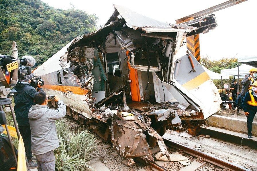 太魯閣號事故,初估理賠金額超過6.5億元,創台灣保險史理賠金額新紀錄。記者邱德祥...
