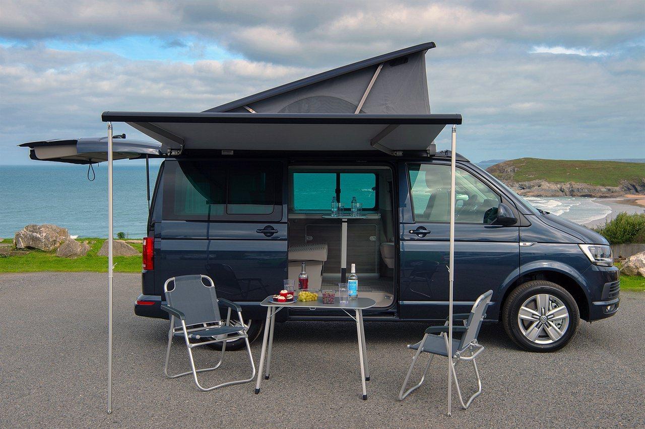 設備完善還具備住宿空間的露營車,乘著國旅旺盛成為近期當紅車款。 圖/福斯商旅提供