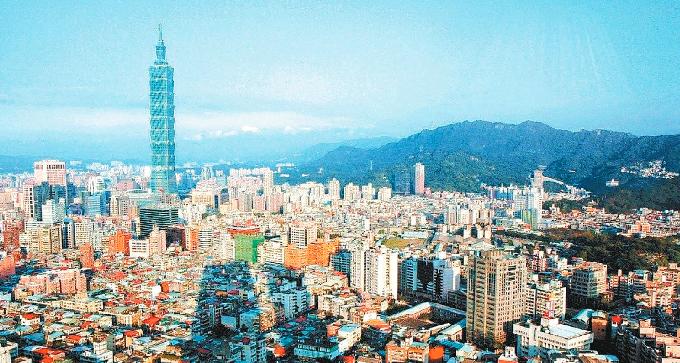 國內兩大外銀今公布國內第二季經濟預測,渣打銀行上調今年台灣GDP成長率預估至4....